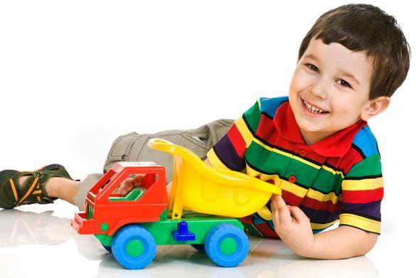 mainan anak laki laki usia 5 tahun